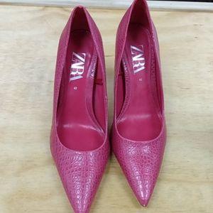 Pink point toe heels Zara